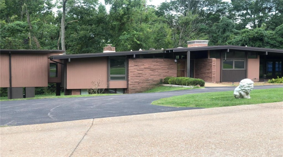 6 Watch Hill, St Louis, Missouri 63124, 3 Bedrooms Bedrooms, 9 Rooms Rooms,3 BathroomsBathrooms,Residential,For Sale,Watch Hill,20063233