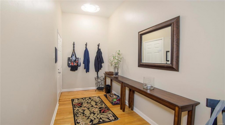 4309 Maryland Avenue, St Louis, Missouri 63108, 2 Bedrooms Bedrooms, 4 Rooms Rooms,2 BathroomsBathrooms,Condo/coop/villa,For Sale,Maryland,19040800