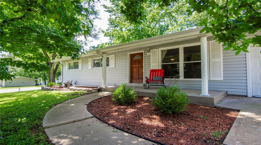 9935 Mayo, St Louis, Missouri 63123, 2 Bedrooms Bedrooms, 6 Rooms Rooms,1 BathroomBathrooms,Residential,For Sale,Mayo,19057910